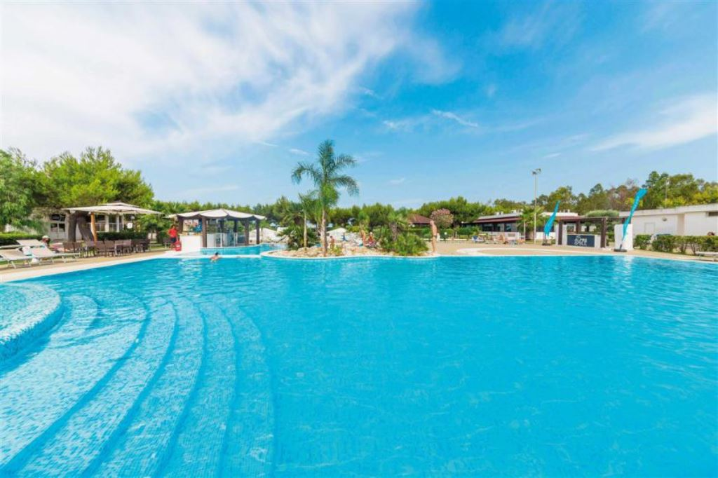 piscina bella otranto alimini smile all inclusive slide