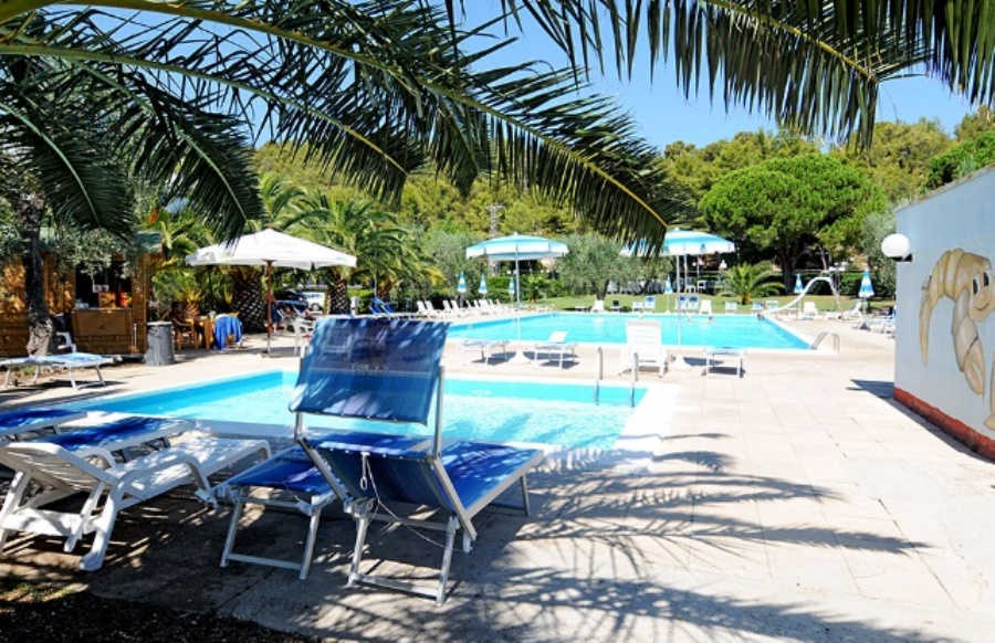 solarium piscina gargano residence peschici