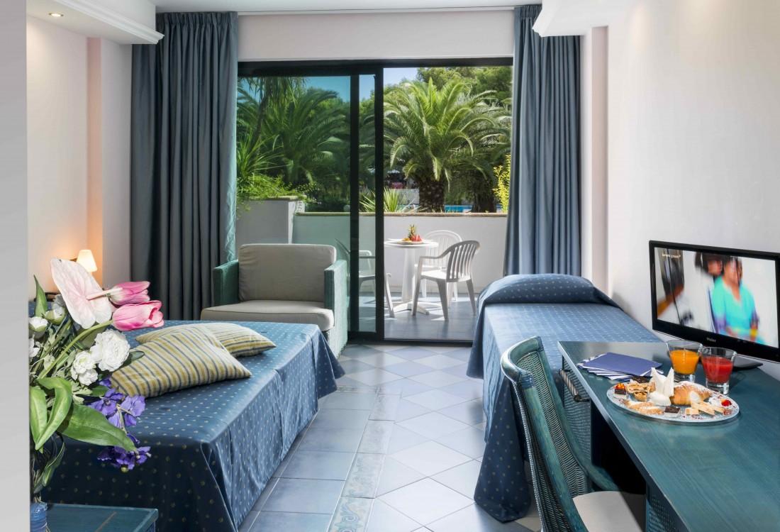 hotel_club_giardini_villaggio_d_oriente_basilicata_mare_dirotta_da_noi-tSa-1100X750