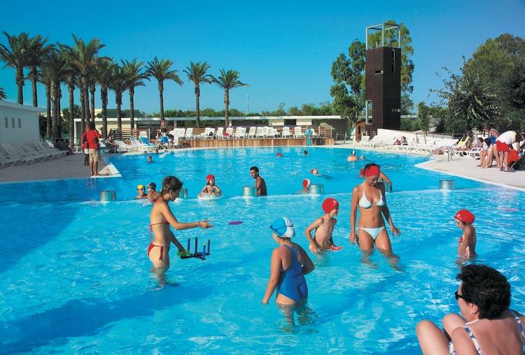 myapuliastyle piscina con bambini