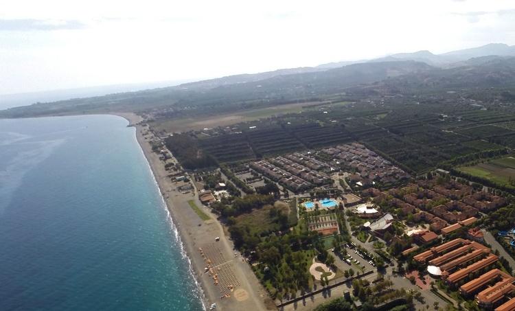 panoramica spiaggia villaggio sul mare calabria