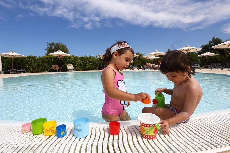 piscina bambini resort salento sul mare