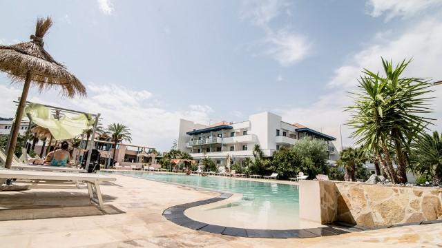piscina nuova villaggio basilicata sul mare