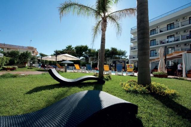 solarium hotel direttamente sul mare puglia