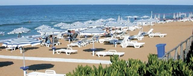 spiaggia villaggio calabria bambini gratis