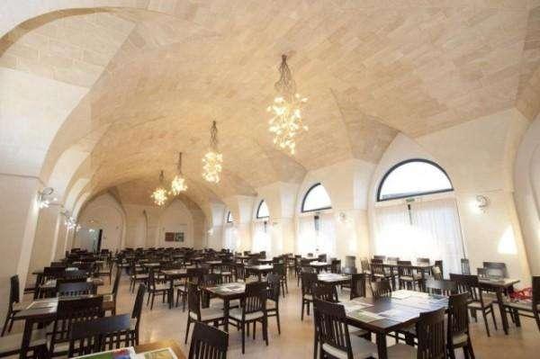 sala ristorante villaggio torre orso salento