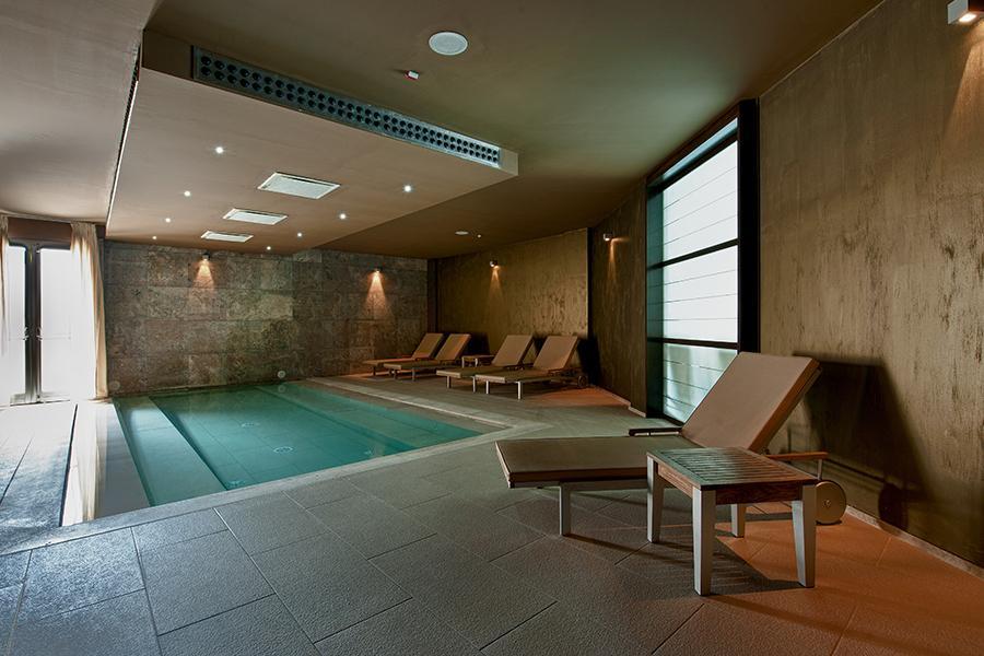 piscina coperta hotel benessere otranto