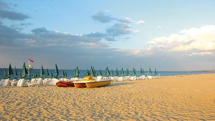 spiaggia villaggio calabria sul mare