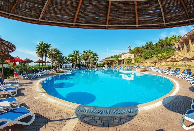 piscina bella myapuliastyle le castella calabria baia degli dei