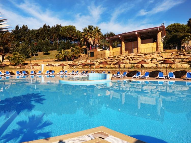 superfice piscina villaggio baia degli dei calabria myapuliastyle