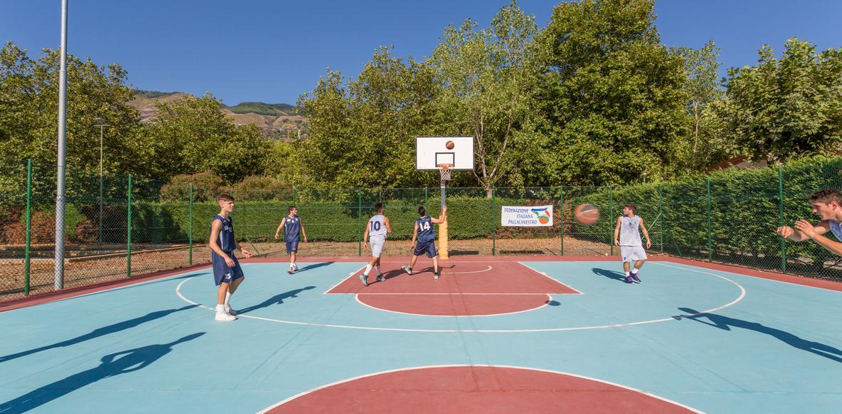 servizi sportivi villaggio calabira tirreno