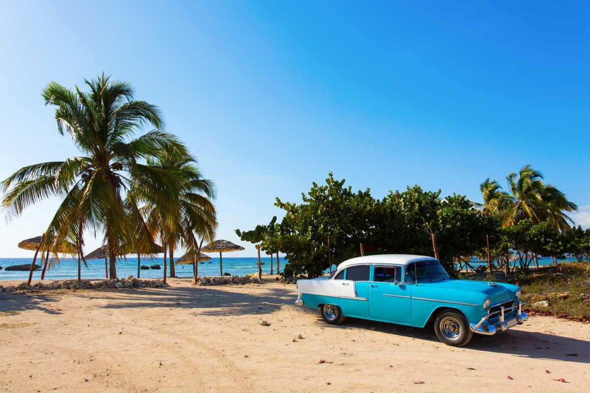 mid-america-cuba-havana-beach-large