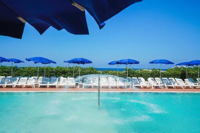 piscina resort salento club mare